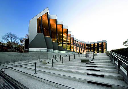 نمایی از دانشگاه ملی استرالیا